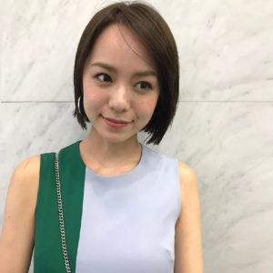 黒田まゆかショートボブ×トレンドベージュ×艶感スタイリング,フロント